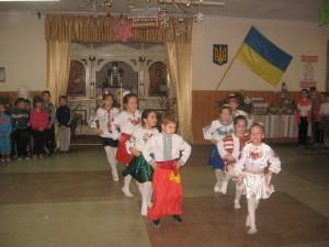 """Танцювальний колектив """"Перлина"""" на відкритті ярмарку"""